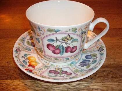 Чайная пара для завтрака Сливы 500мл Roy Kirkham COPRU1100