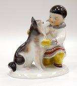 Скульптура Якут с собакой, фарфор ИФЗ 82.00961.00.1