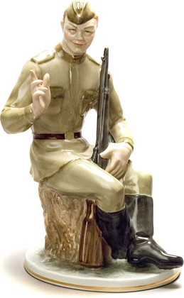 Скульптура Василий Тёркин, Дулёвский фарфор с1936