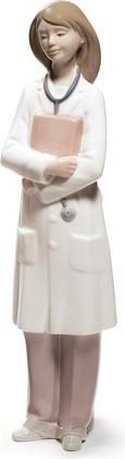 Статуэтка фарфоровая Доктор - женщина (Doctor - Female) 27см NAO 02001684