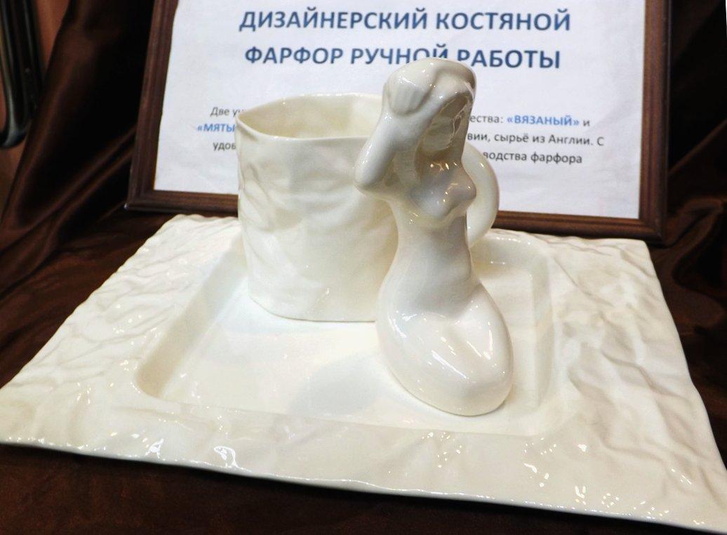 Экспозиция латышского производителя фарфоровой посуды Porcelania на сентябрьской выставке HouseHoldExpo 2014 - вид Б