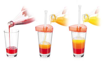 Иллюстрация процесса использования воронки myDRINK при создании фирменного коктейля Tescoma Pool