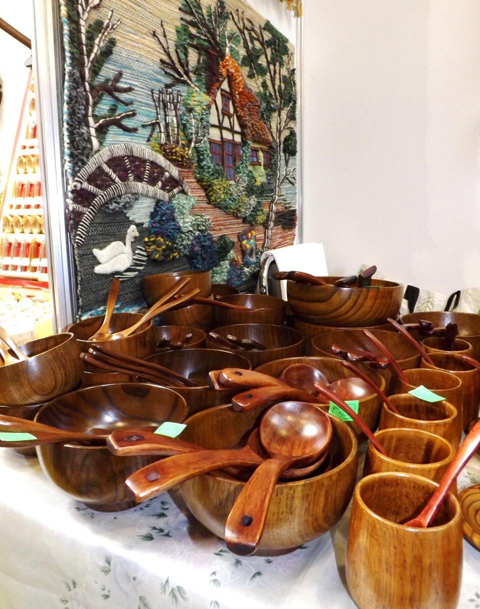 Продукция сибирских производителей деревянной посуды и кухонных аксессуаров на сентябрьской выставке HouseHoldExpo 2014 - вид В