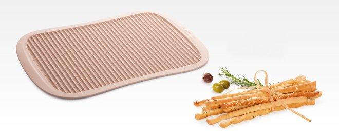 Силиконовый противень DELLA CASA для итальянских хлебных палочек (Гриссини), представленный специалистами Tescoma в марте 2017 года