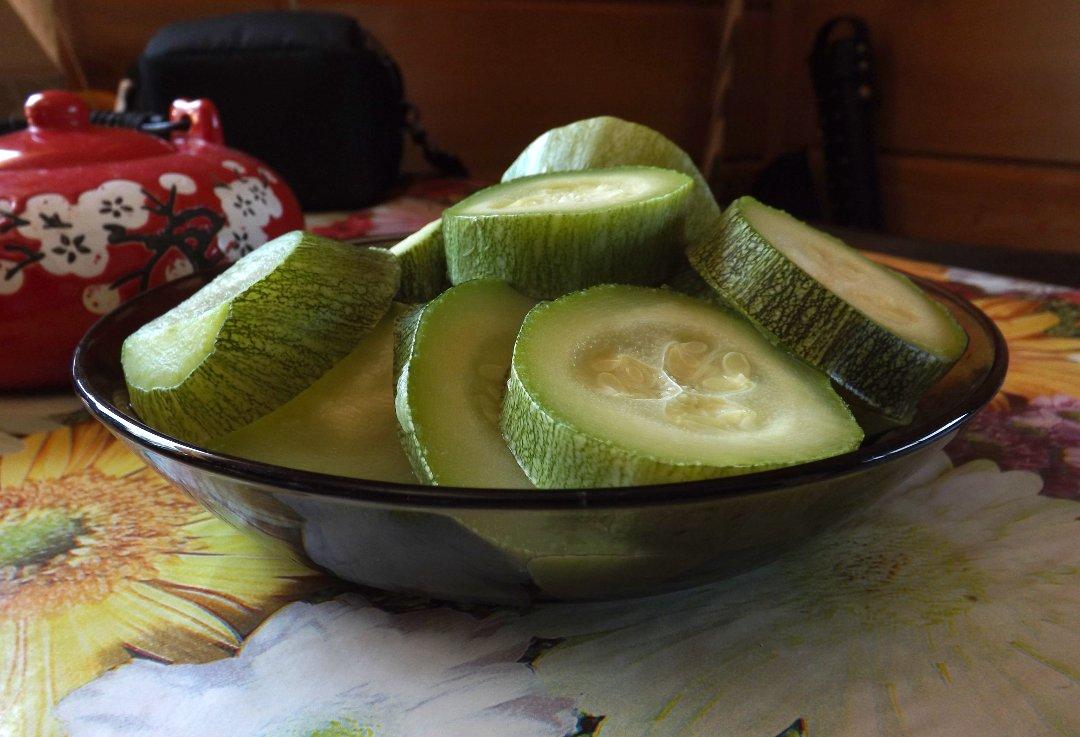 Кабачок цукини, приготовленный в пароварке