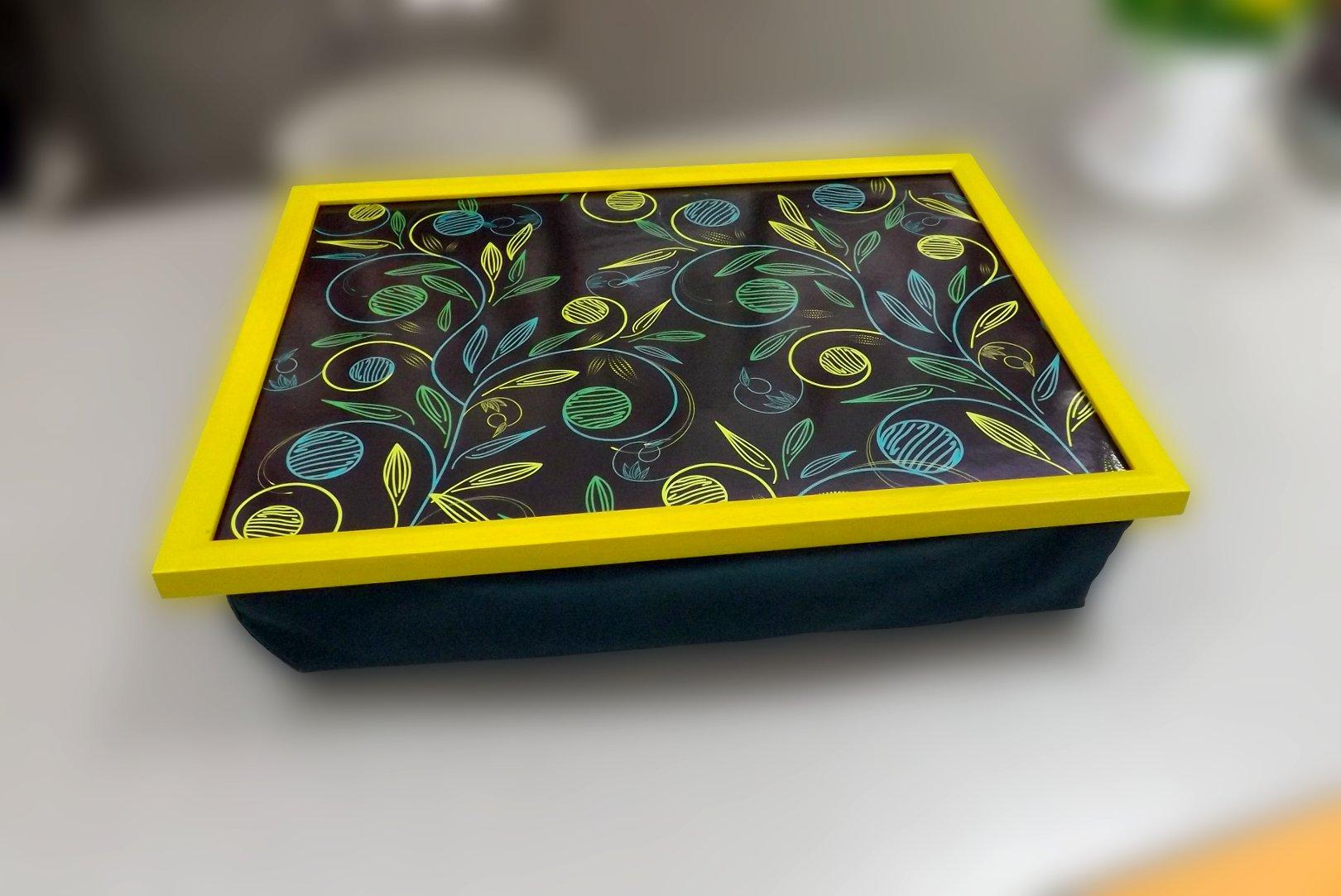 Поднос на подушке со стилизованным изображением растений от Top Art Studio