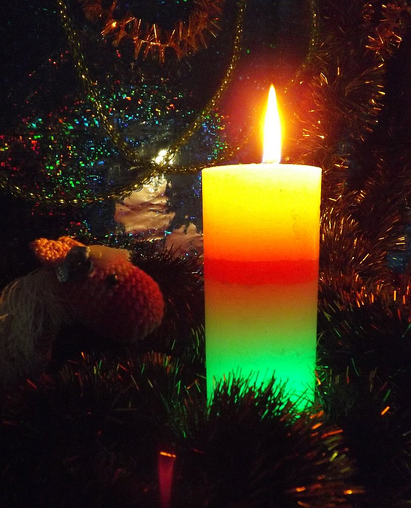 Горение свечи со светодиодной подсветкой от Bartek Candles