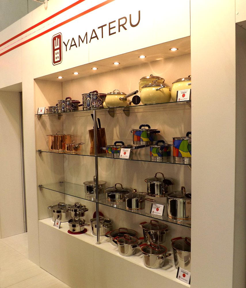 Посуда Yamateru на выставке МЕБЕЛЬ 2013 в московском Экспоцентре