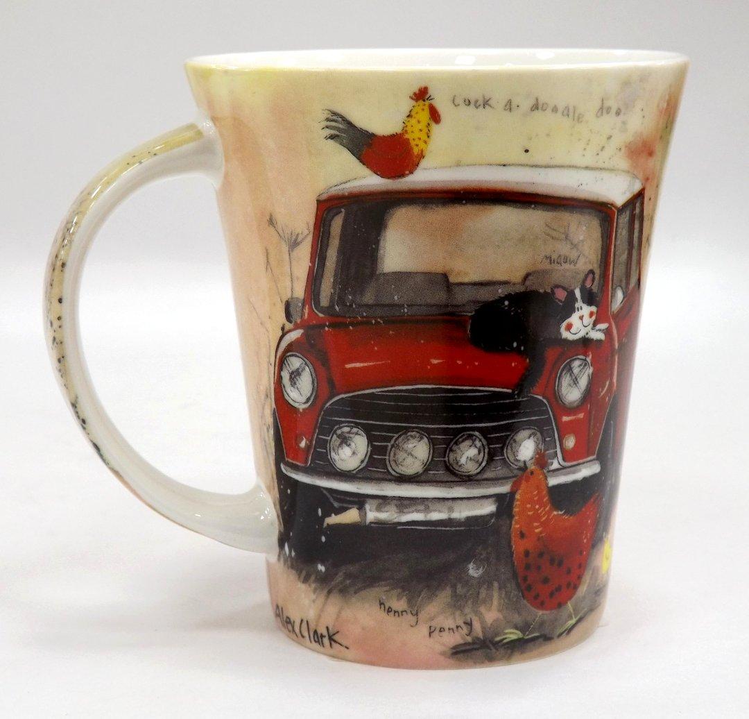 Фарфоровая кружка серии Машины от Queens из ассортимента магазина Posuda40.ru