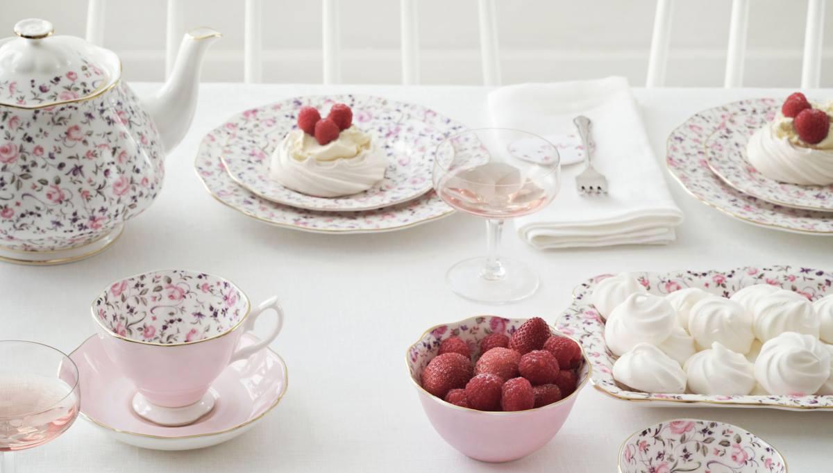 Фарфоровая посуда Royal Albert и меренги