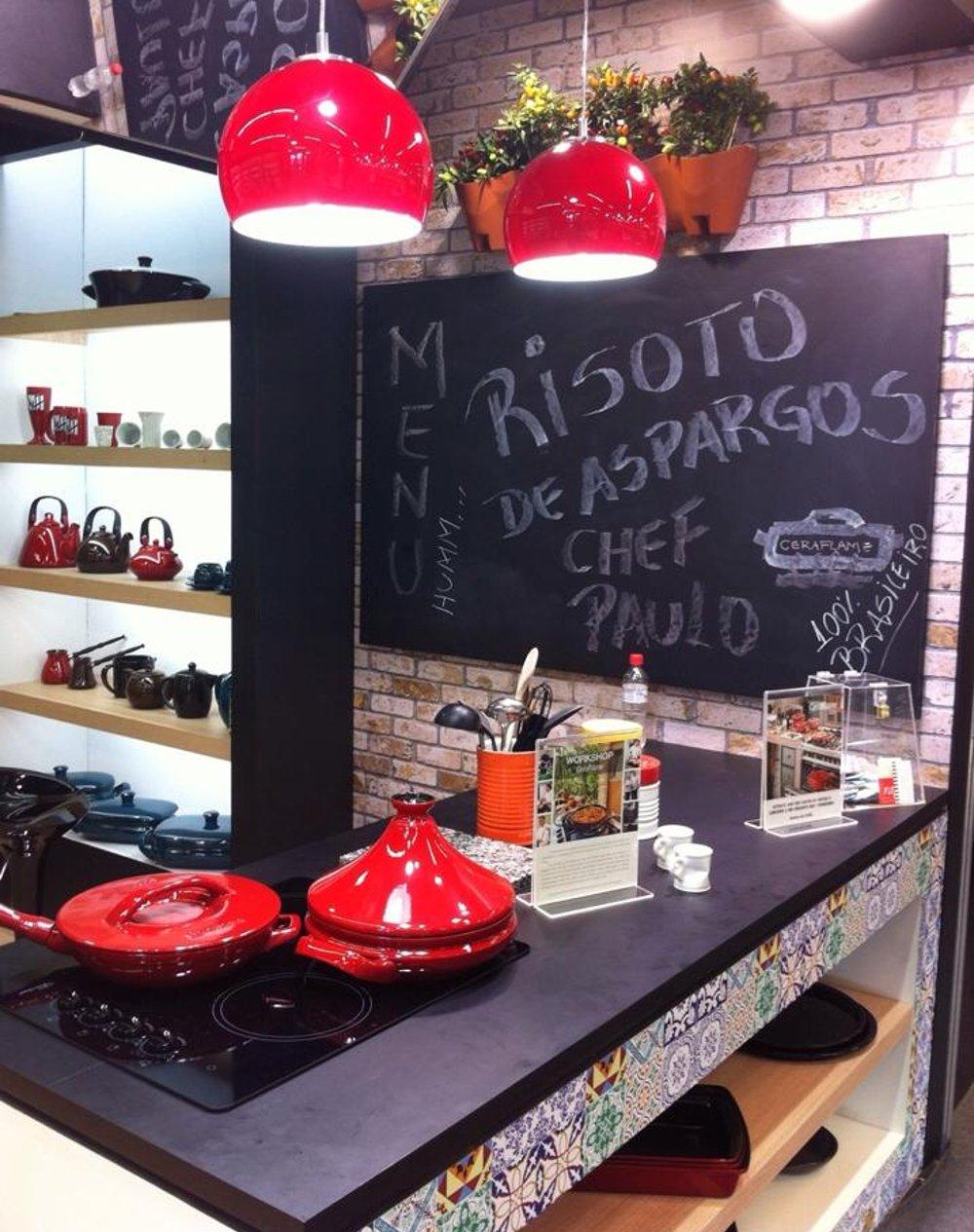 Керамическая посуда от Ceraflame на 30-й выставке ABUP SHOW. Вид А