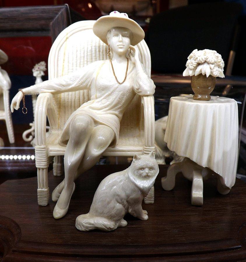 Скульптурная композиция из кости на выставке LuxuryHITS 2014. Автор: Юрий Бабушкин