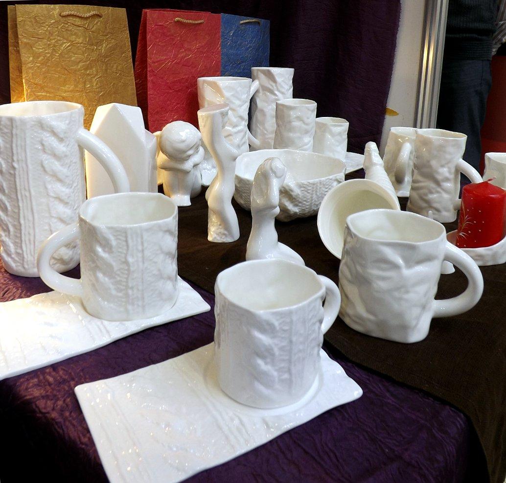 Продукция латышского производителя фарфоровой посуды Porcelania на сентябрьской выставке HouseHoldExpo 2014 - вид А