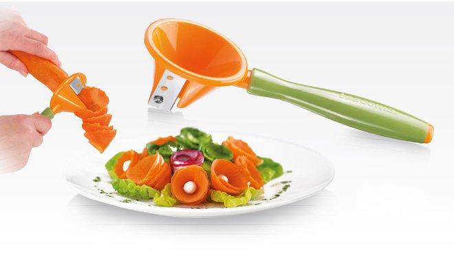 Спиральный нож PRESTO CARVING для получения декоративных спиралей из корнеплодов, из ассортимента Tescoma (июль-август 2015 г.)