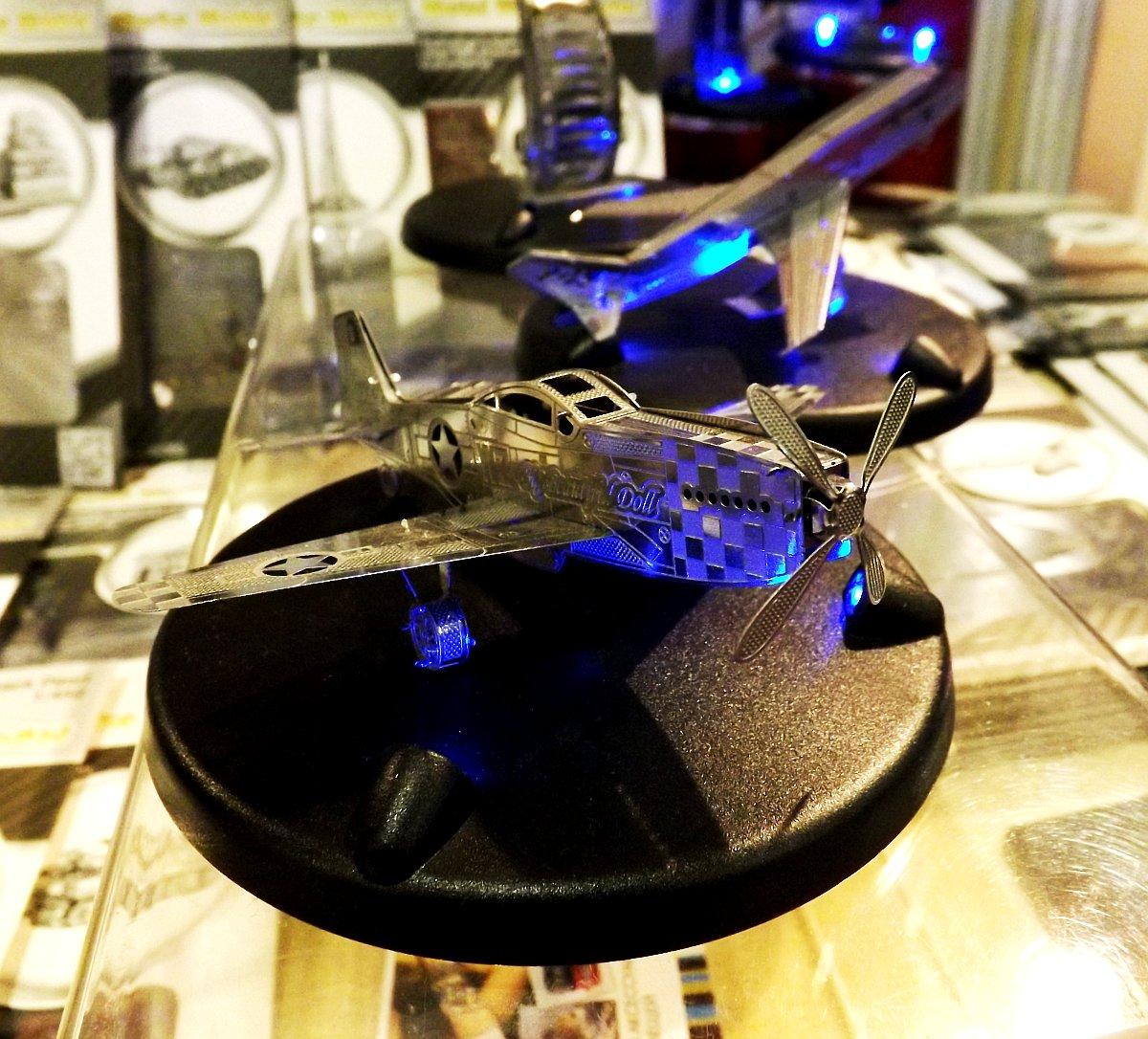Сборные сувенирные модели из металла, обработанного лазером, представленные на выставке КонсумЭкспо-Зима 2015