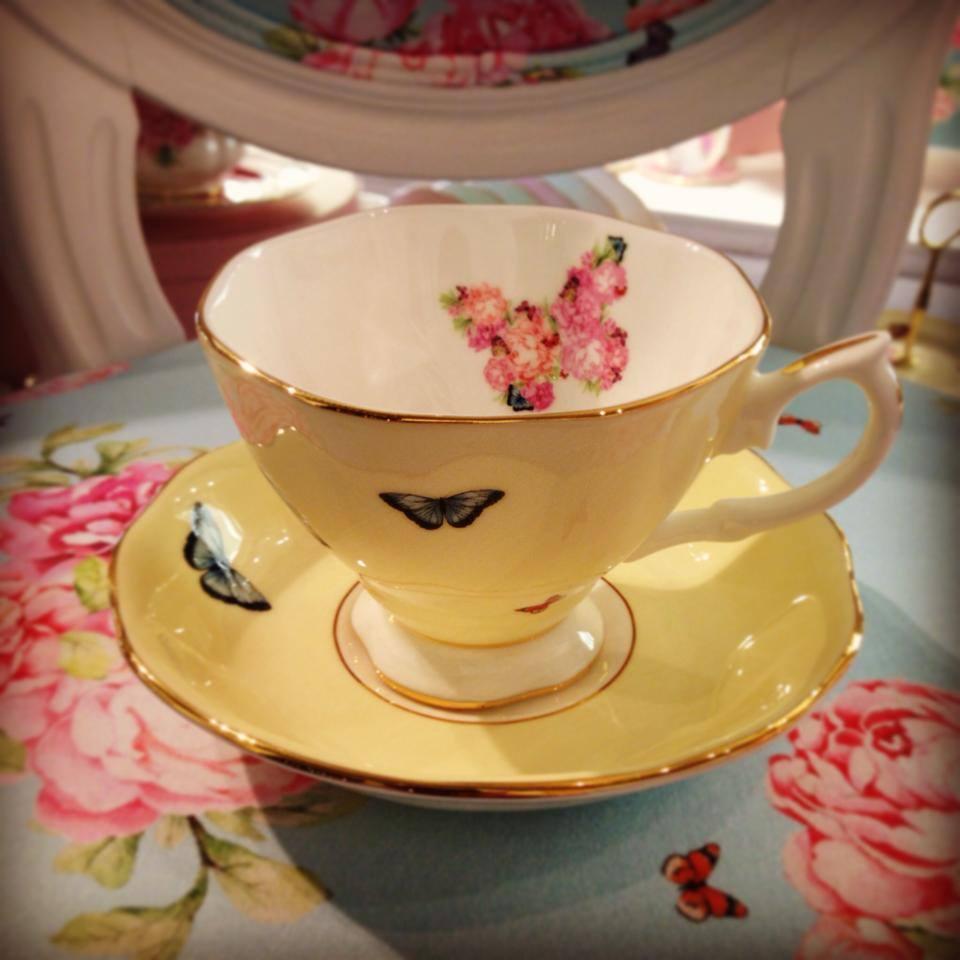 Фарфоровая посуда из коллекции Miranda Kerr for Royal Albert 2014. Вид А